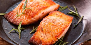 Grilled_Salmon_with_Orange_Marinade_lysxo1