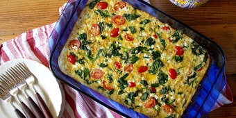 Spinach-Tomato-and-Quinoa-Breakfast-Casserole