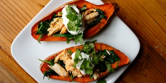 Sweet-Potato-Skins-with-Chicken_y63jy0
